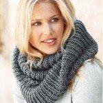 Как связать шарф хомут спицами?  Техника и особенности