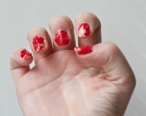 Как снять лак для ногтей